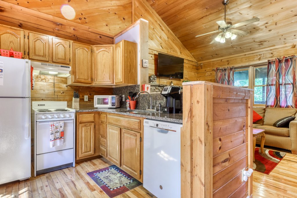 Photo of a Sevierville Cabin named Mountain Ridge Cabin - This is the sixth photo in the set.