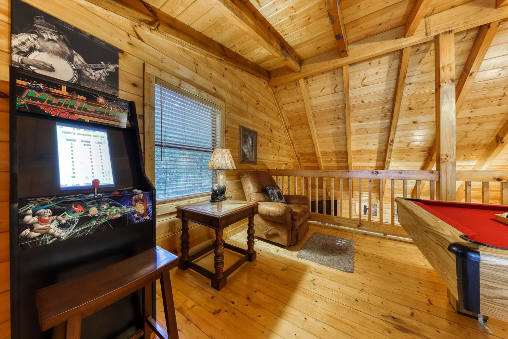 Photo of a Pigeon Forge Cabin named Grin And Bear It - This is the nineteenth photo in the set.