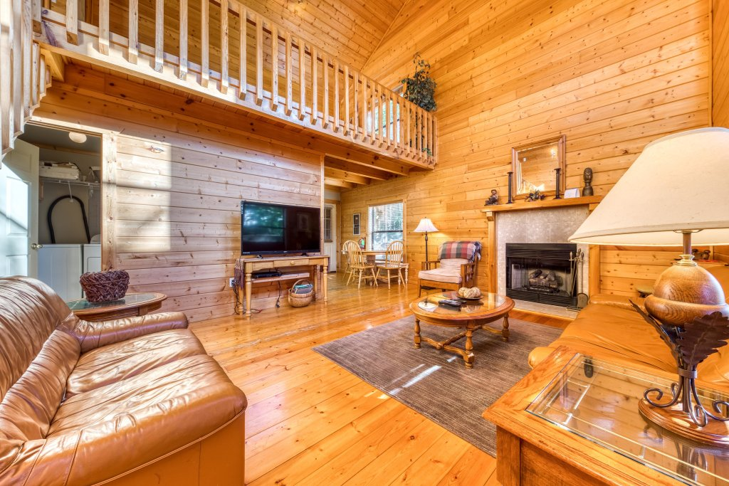 Photo of a Pigeon Forge Cabin named Cloud 9 - This is the first photo in the set.