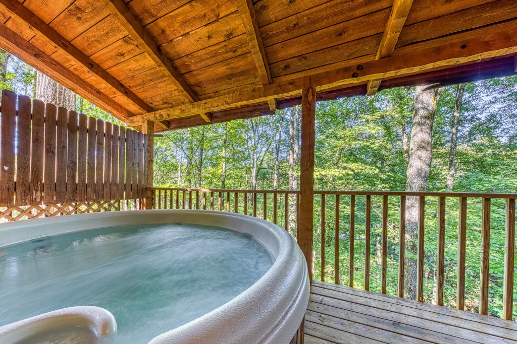 Photo of a Pigeon Forge Cabin named Peaceful Pines - This is the third photo in the set.