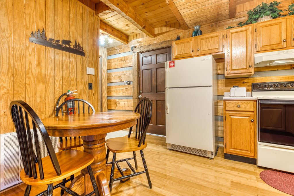 Photo of a Pigeon Forge Cabin named Peaceful Pines - This is the eighth photo in the set.