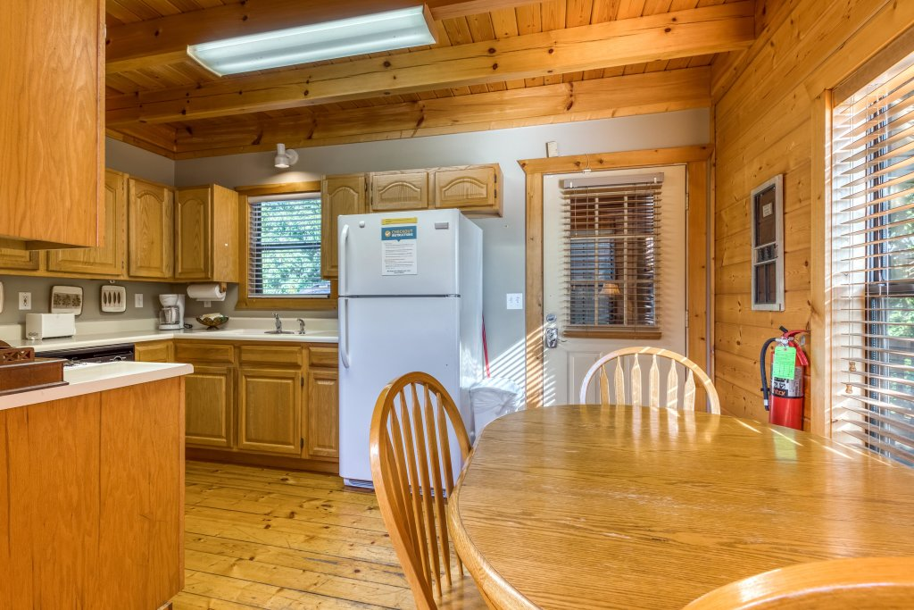 Photo of a Pigeon Forge Cabin named Cloud 9 - This is the ninth photo in the set.