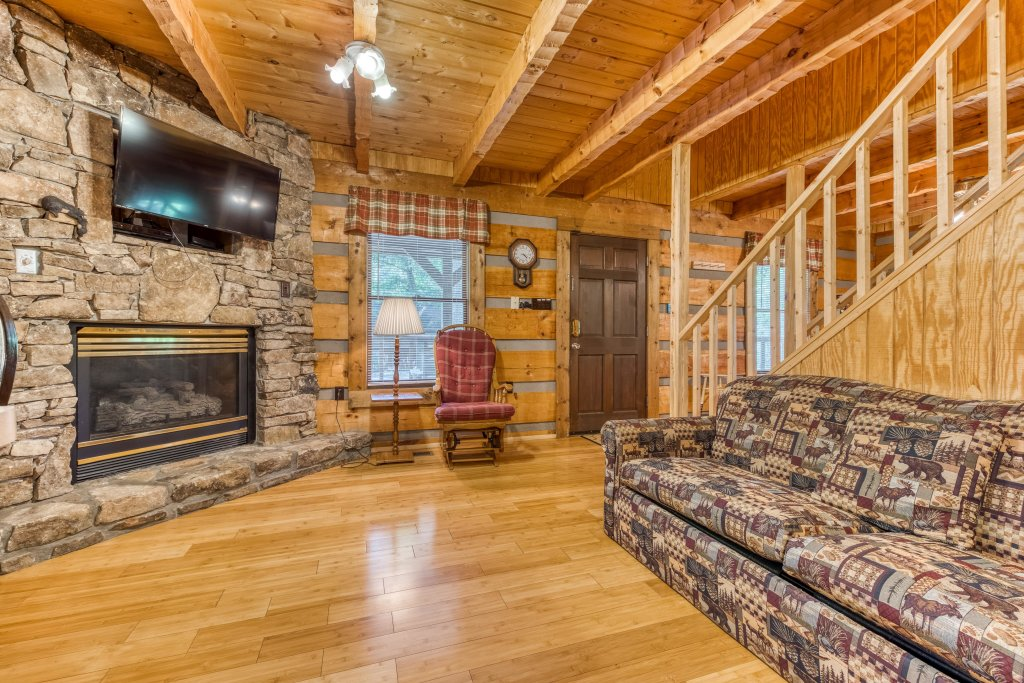 Photo of a Pigeon Forge Cabin named Peaceful Pines - This is the fifth photo in the set.