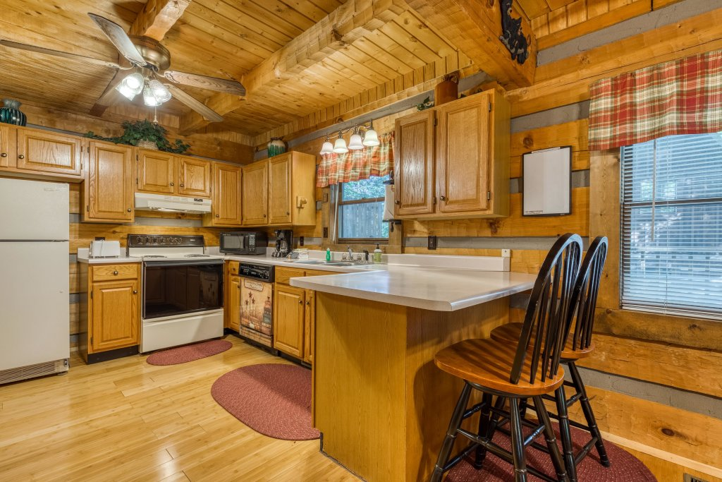 Photo of a Pigeon Forge Cabin named Peaceful Pines - This is the ninth photo in the set.