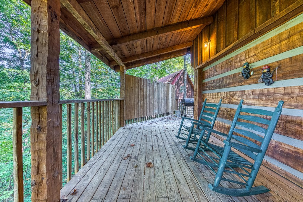 Photo of a Pigeon Forge Cabin named Peaceful Pines - This is the twenty-fifth photo in the set.