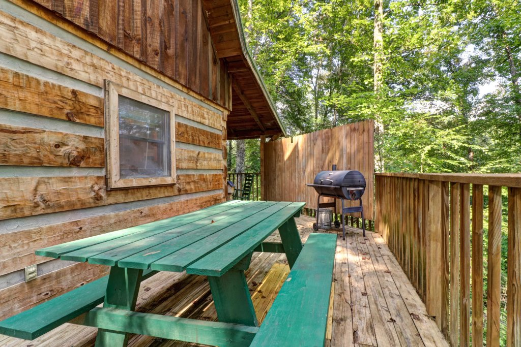Photo of a Pigeon Forge Cabin named Peaceful Pines - This is the twenty-seventh photo in the set.