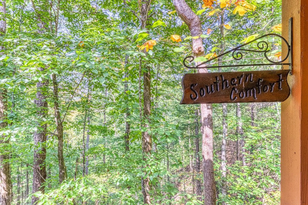 Photo of a Sevierville Cabin named Southern Comfort - This is the twenty-seventh photo in the set.