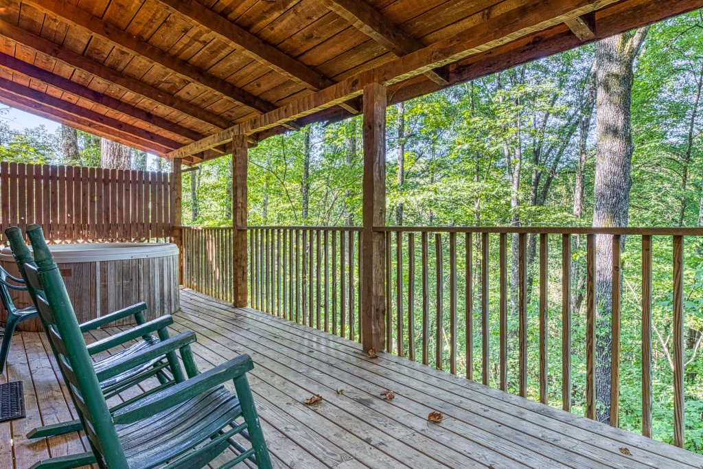 Photo of a Pigeon Forge Cabin named Peaceful Pines - This is the twenty-sixth photo in the set.