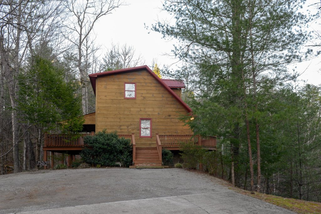 Photo of a Sevierville Cabin named Southern Comfort - This is the twenty-eighth photo in the set.