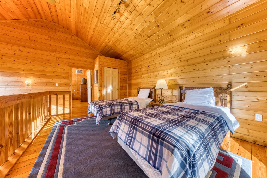 Photo of a Pigeon Forge Cabin named Cloud 9 - This is the twentieth photo in the set.