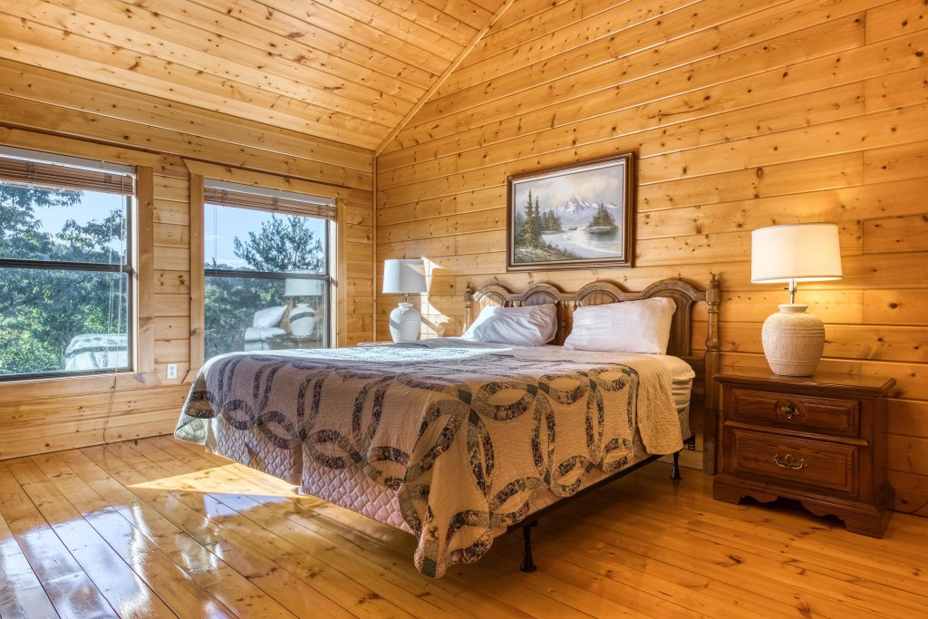 Photo of a Pigeon Forge Cabin named Cloud 9 - This is the twenty-first photo in the set.