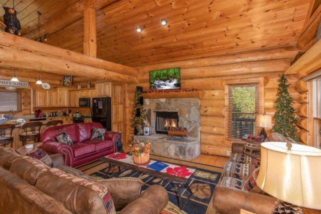 Photo of a Sevierville Cabin named Great View Lodge - This is the seventh photo in the set.