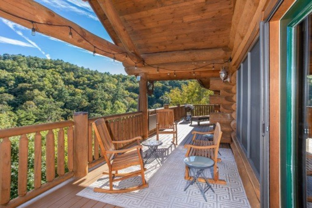 Photo of a Sevierville Cabin named Great View Lodge - This is the fourteenth photo in the set.