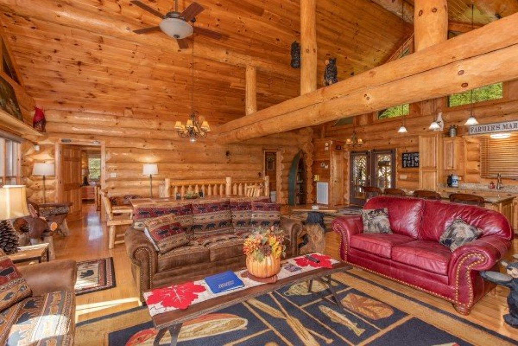 Photo of a Sevierville Cabin named Great View Lodge - This is the sixth photo in the set.