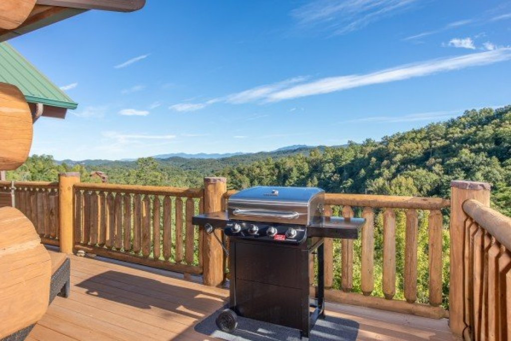 Photo of a Sevierville Cabin named Great View Lodge - This is the twelfth photo in the set.