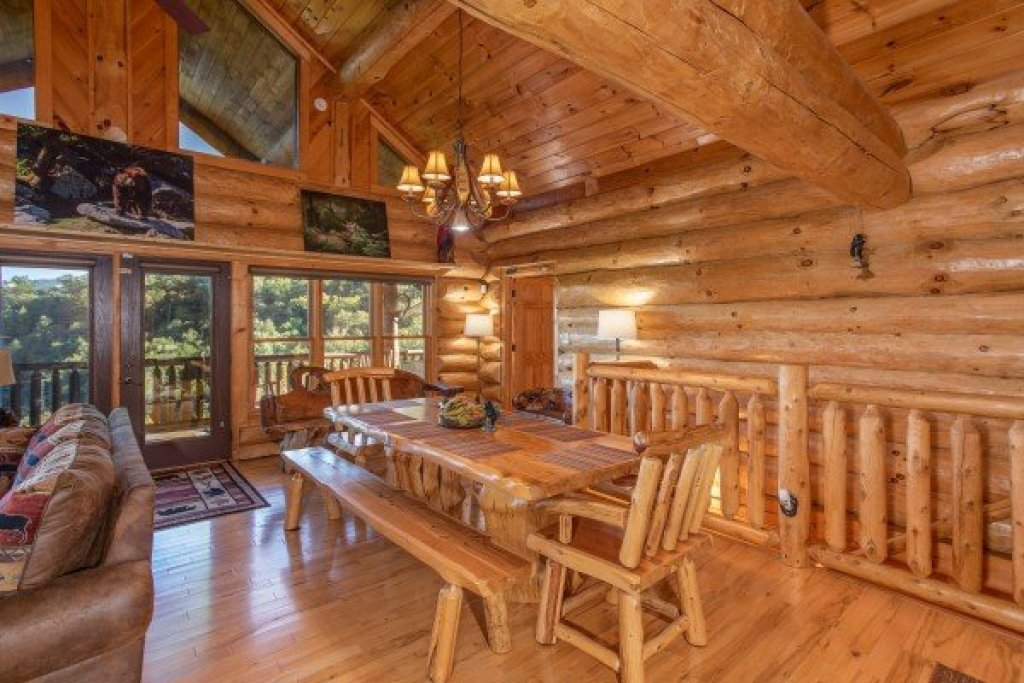 Photo of a Sevierville Cabin named Great View Lodge - This is the eighth photo in the set.