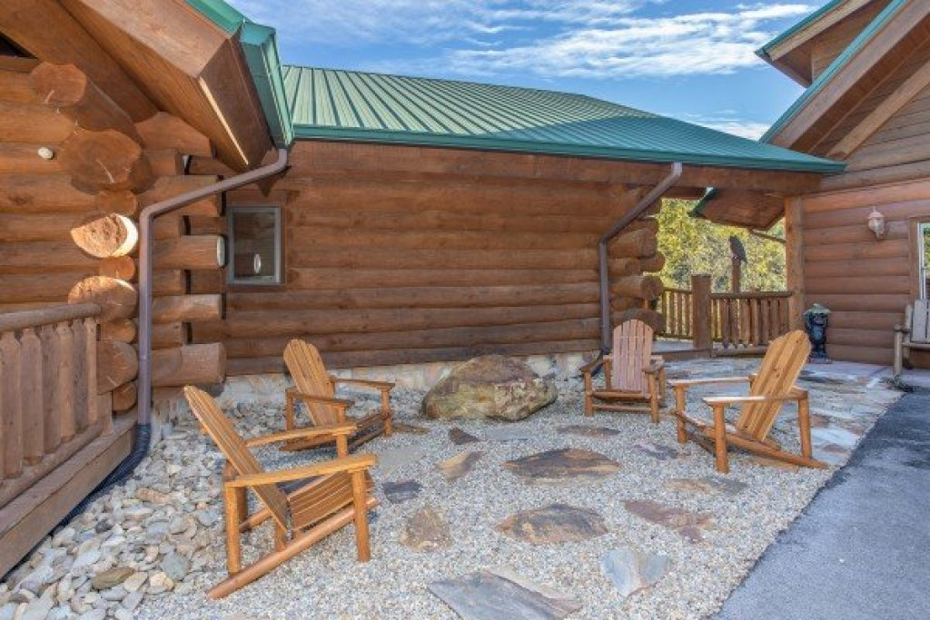 Photo of a Sevierville Cabin named Great View Lodge - This is the sixteenth photo in the set.