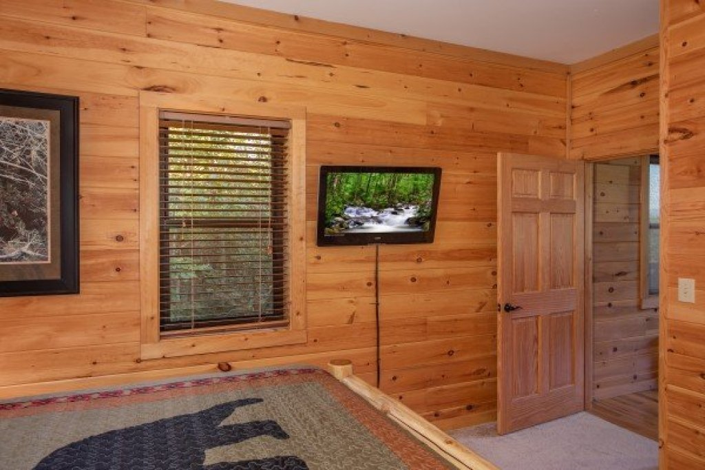 Photo of a Sevierville Cabin named Great View Lodge - This is the twenty-eighth photo in the set.