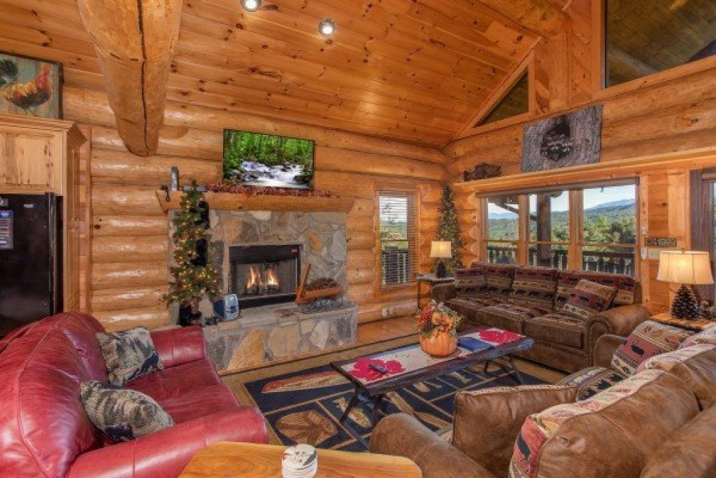 Photo of a Sevierville Cabin named Great View Lodge - This is the fifth photo in the set.