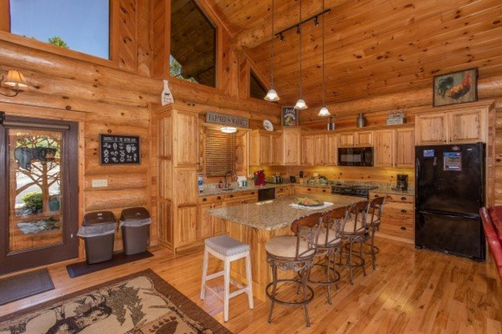 Photo of a Sevierville Cabin named Great View Lodge - This is the ninth photo in the set.