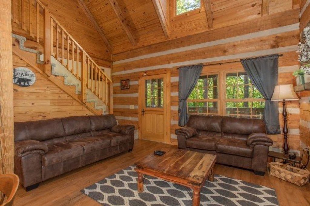 Photo of a Gatlinburg Cabin named Trillium Lodge - This is the fifth photo in the set.