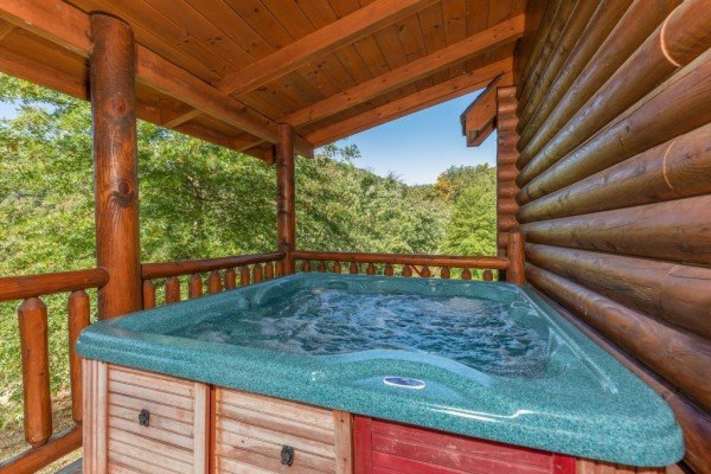 Photo of a Sevierville Cabin named Kountry Lovin' - This is the ninth photo in the set.