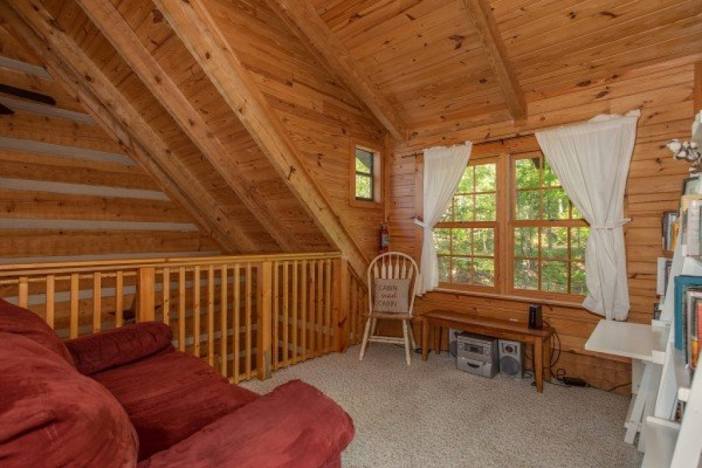 Photo of a Gatlinburg Cabin named Trillium Lodge - This is the seventeenth photo in the set.