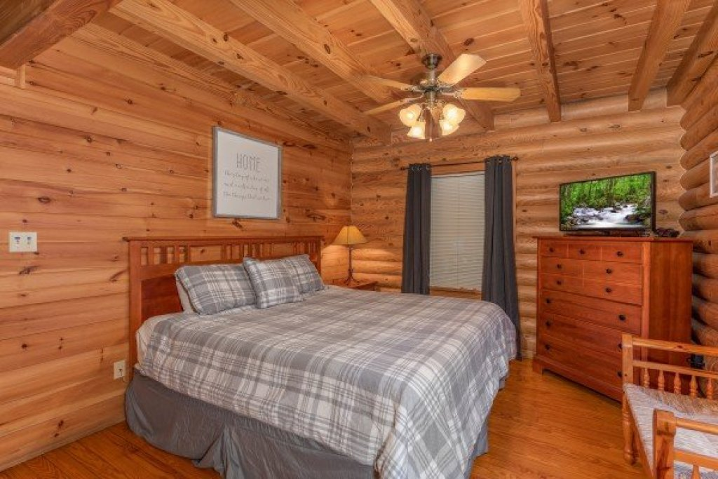 Photo of a Sevierville Cabin named Kountry Lovin' - This is the tenth photo in the set.