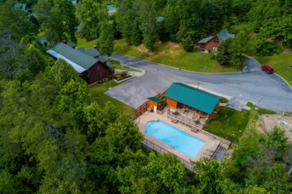 Photo of a Sevierville Cabin named Kountry Lovin' - This is the twenty-second photo in the set.