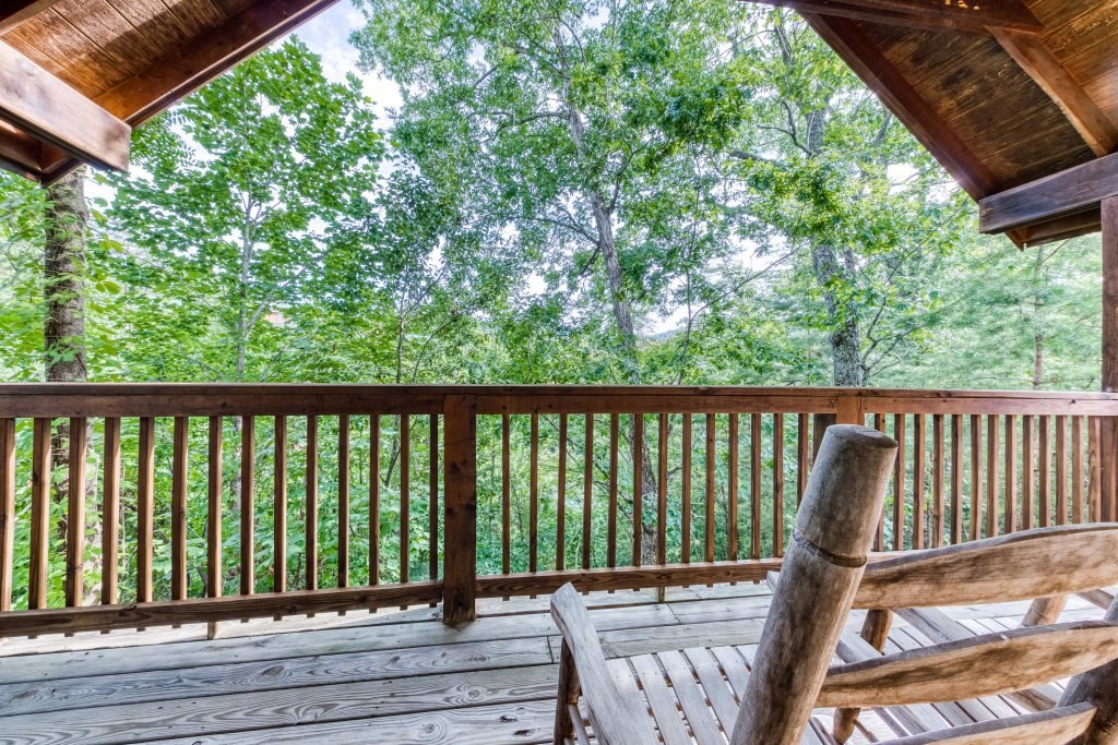 Photo of a Pigeon Forge Cabin named Arrowhead Log Cabin Resort: Wildwood Cabin - This is the nineteenth photo in the set.