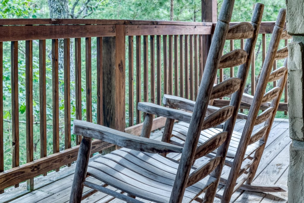 Photo of a Pigeon Forge Cabin named Arrowhead Log Cabin Resort: Wildwood Cabin - This is the twenty-second photo in the set.