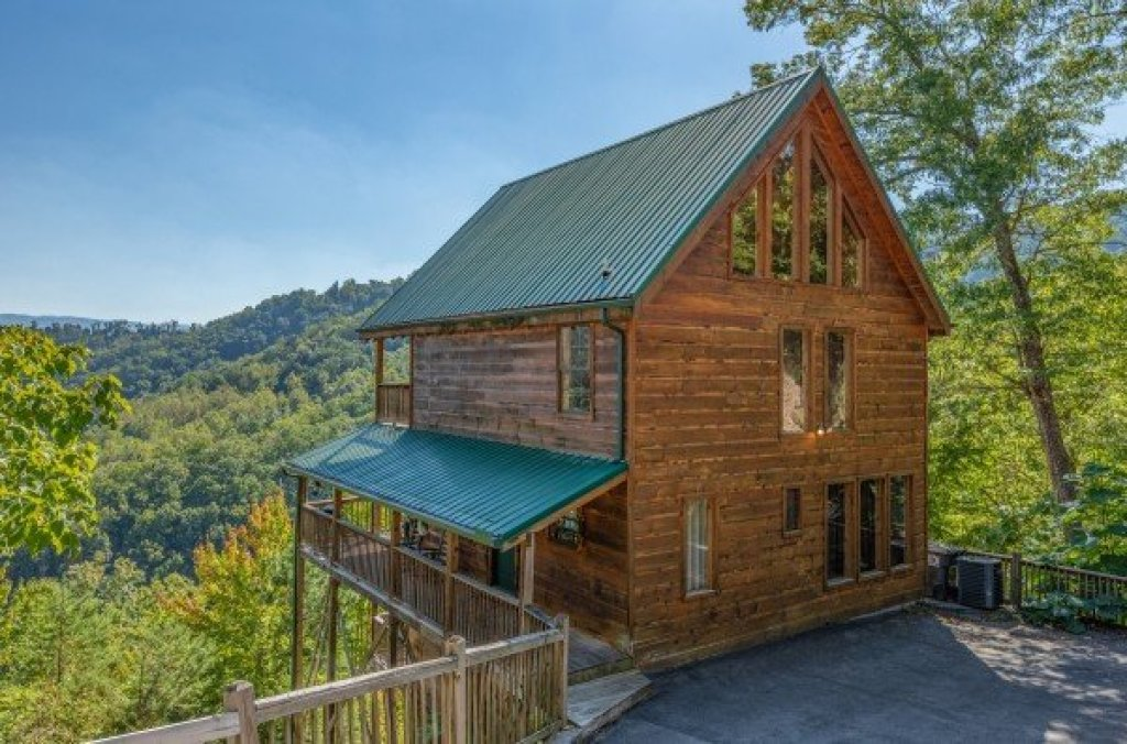 Photo of a Sevierville Cabin named A Perfect Getaway - This is the second photo in the set.