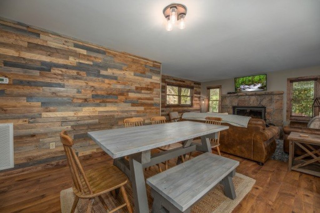 Photo of a Sevierville Cabin named Southern Luxury - This is the fourth photo in the set.