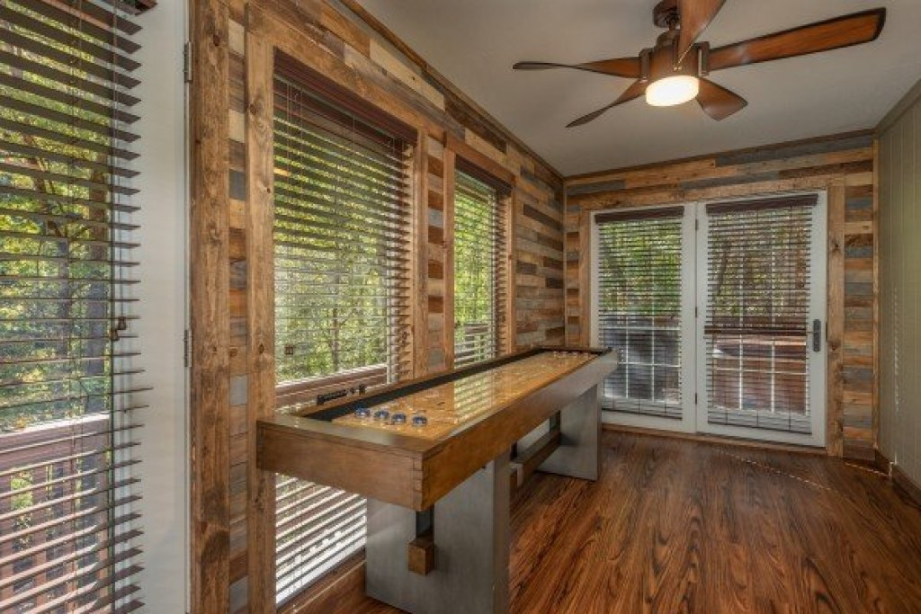 Photo of a Sevierville Cabin named Southern Luxury - This is the eighth photo in the set.