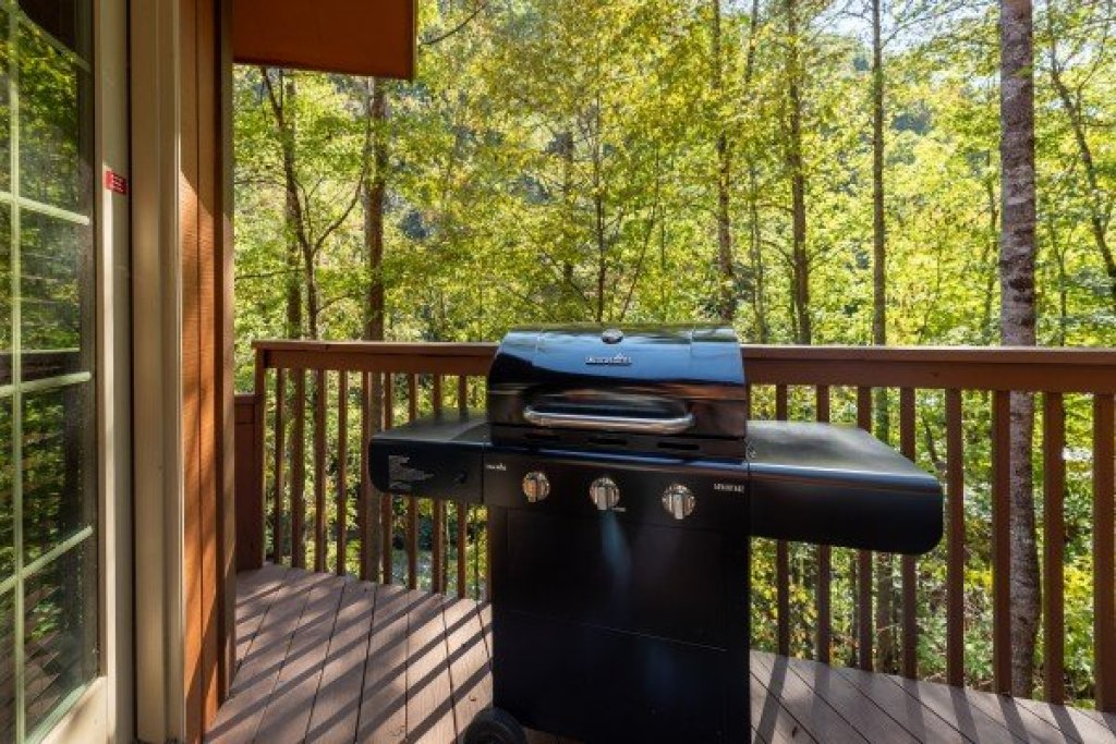 Photo of a Sevierville Cabin named Southern Luxury - This is the sixteenth photo in the set.