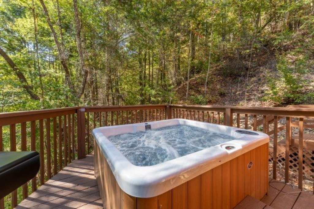 Photo of a Sevierville Cabin named Southern Luxury - This is the seventeenth photo in the set.