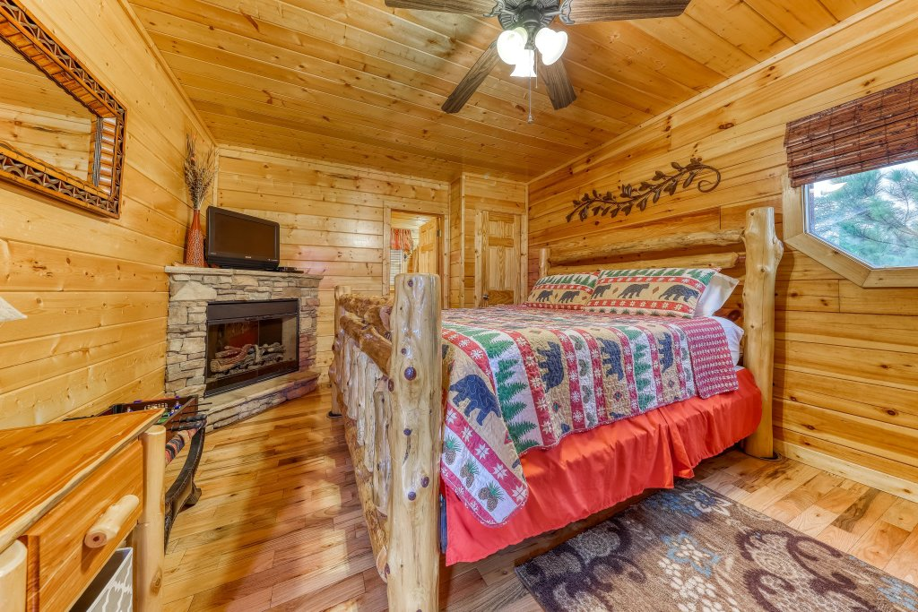 Photo of a Pigeon Forge Cabin named Smoky Mountain View - This is the seventeenth photo in the set.