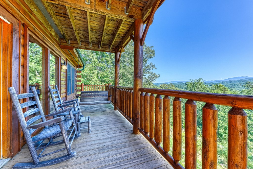 Photo of a Sevierville Cabin named Heaven Sent - This is the sixteenth photo in the set.