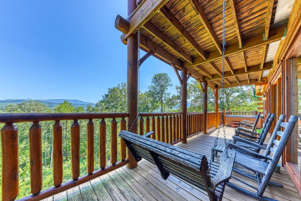 Photo of a Sevierville Cabin named Heaven Sent - This is the thirty-second photo in the set.
