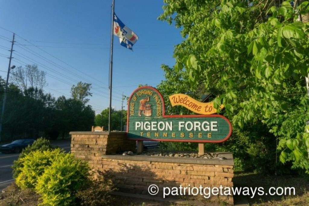Photo of a Pigeon Forge Cabin named Dances With Wolves - This is the twentieth photo in the set.