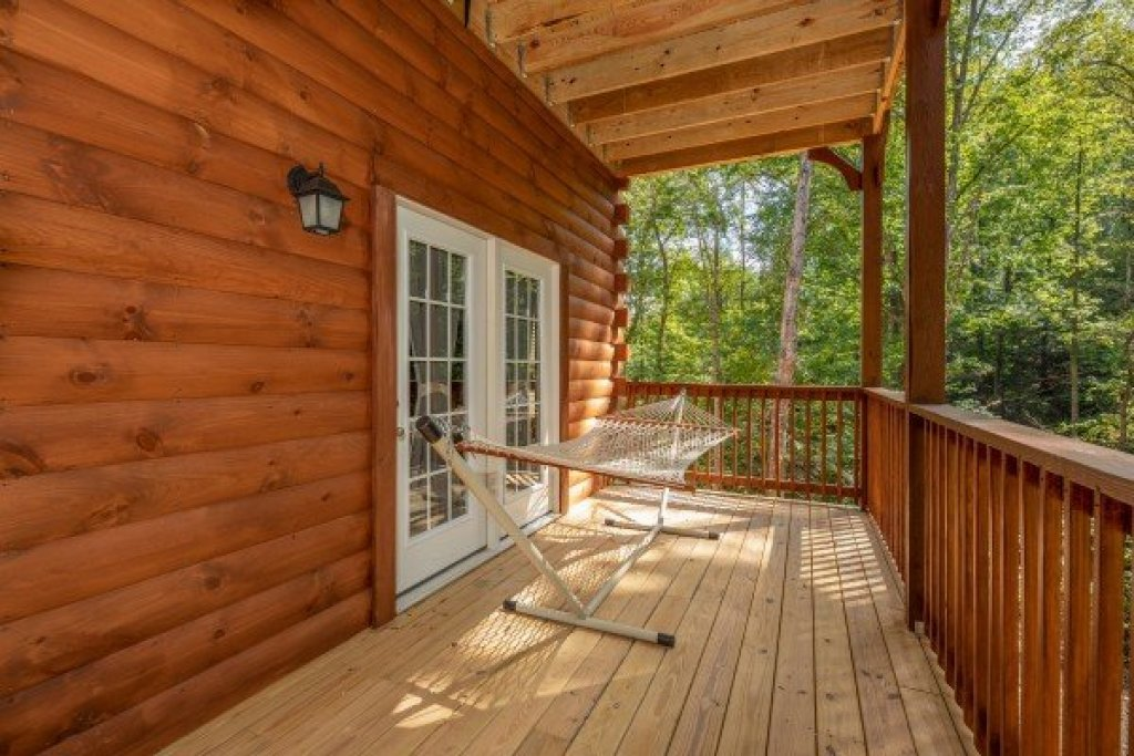 Photo of a Pigeon Forge Cabin named Gar Bear's Hideaway - This is the thirty-first photo in the set.