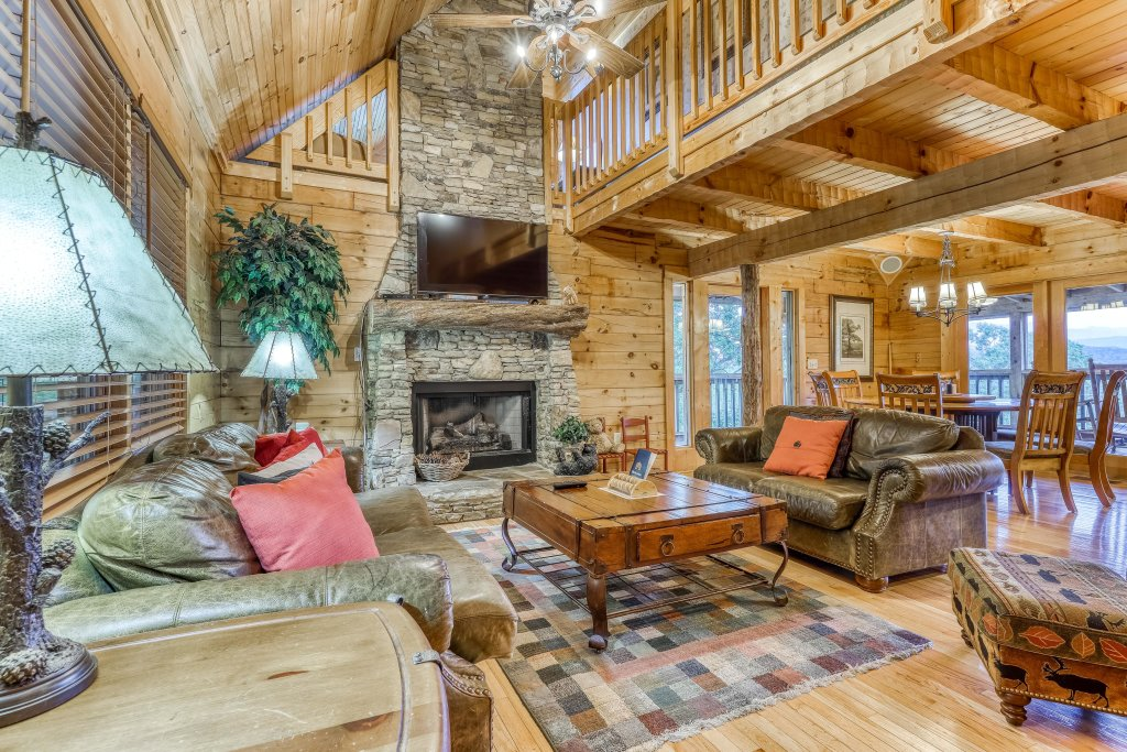 Photo of a Sevierville Cabin named Teddy Bear Lodge - This is the first photo in the set.