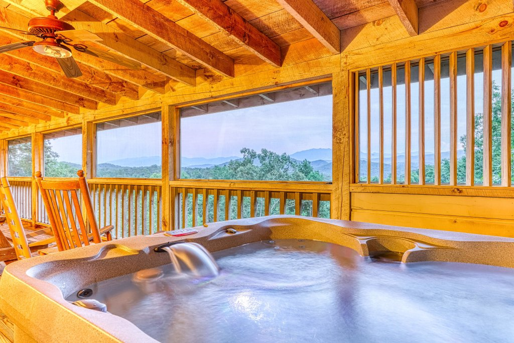 Photo of a Sevierville Cabin named Teddy Bear Lodge - This is the second photo in the set.