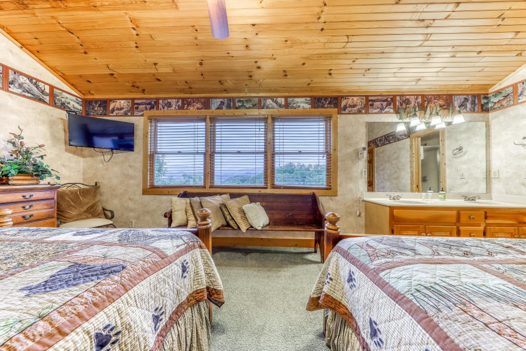 Photo of a Sevierville Cabin named Teddy Bear Lodge - This is the twenty-seventh photo in the set.