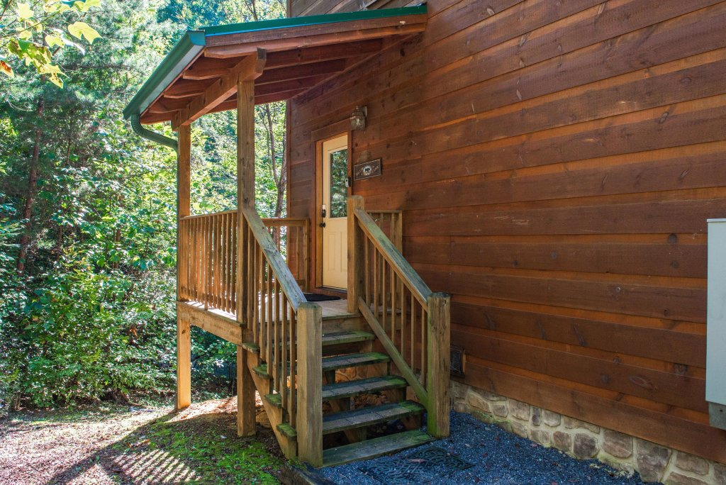 Photo of a Sevierville Cabin named Skinny Dippin - This is the seventh photo in the set.