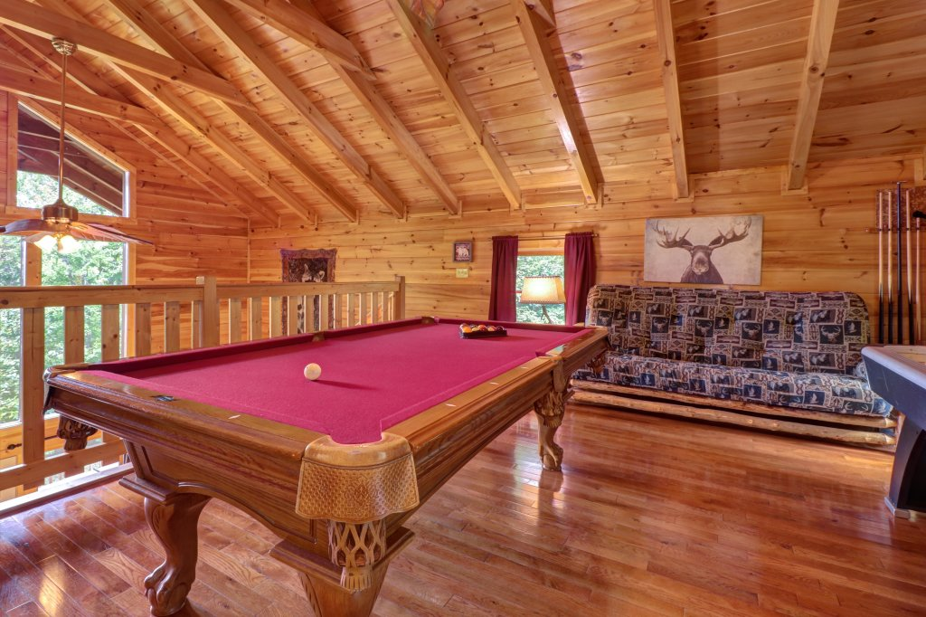 Photo of a Sevierville Cabin named Skinny Dippin - This is the thirteenth photo in the set.