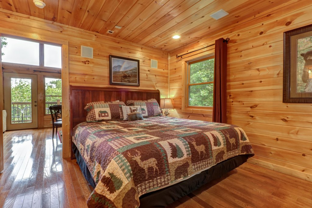 Photo of a Sevierville Cabin named Skinny Dippin - This is the sixteenth photo in the set.