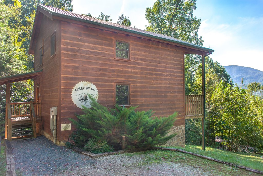 Photo of a Sevierville Cabin named Skinny Dippin - This is the thirty-seventh photo in the set.