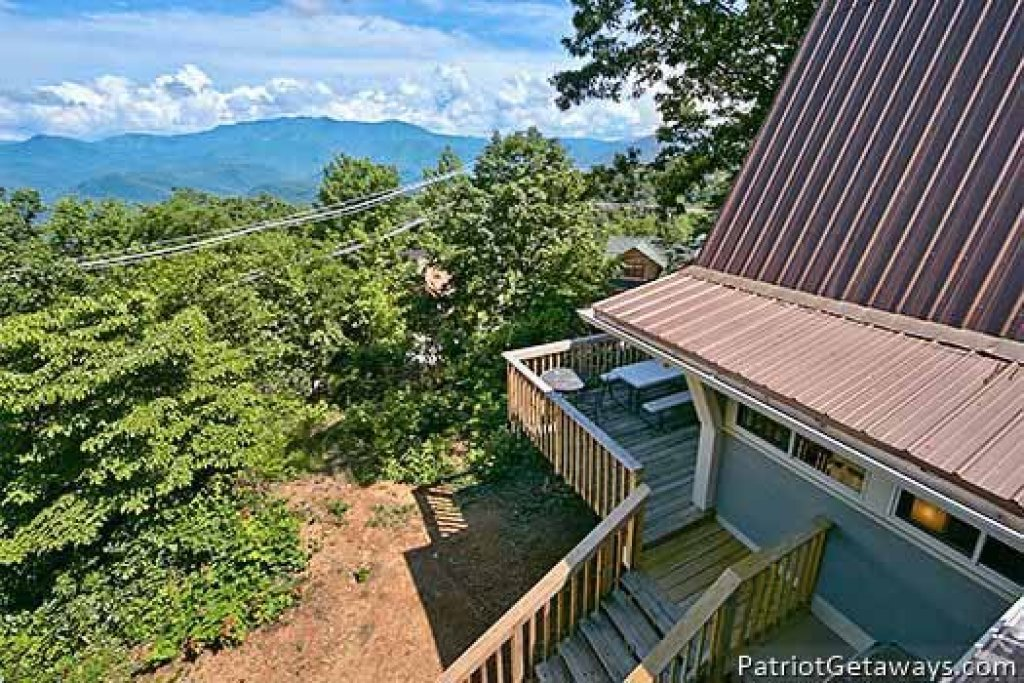 Photo of a Gatlinburg Cabin named Terrace Garden Manor - This is the second photo in the set.