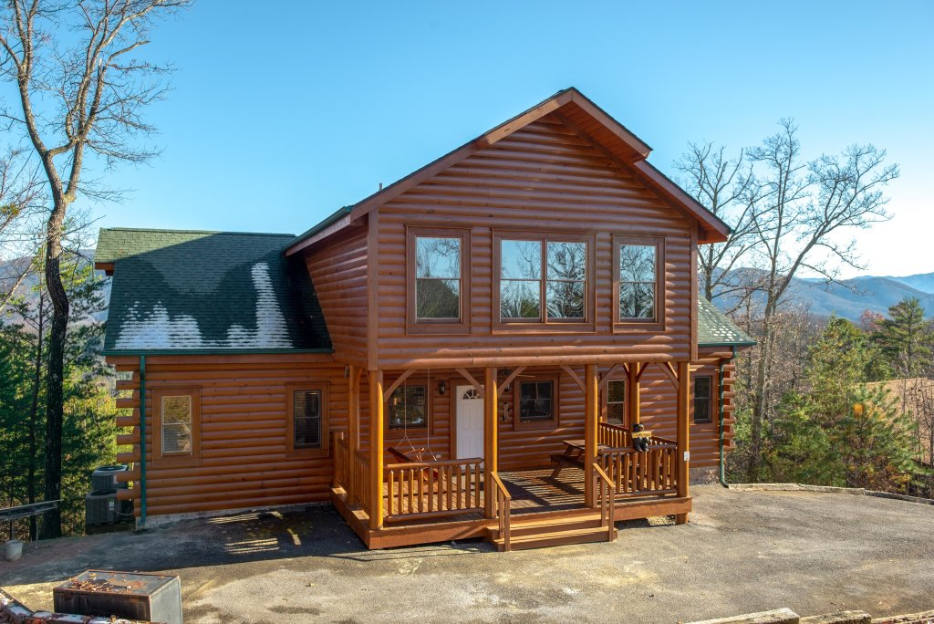 Photo of a Sevierville Cabin named A Higher Calling - This is the second photo in the set.